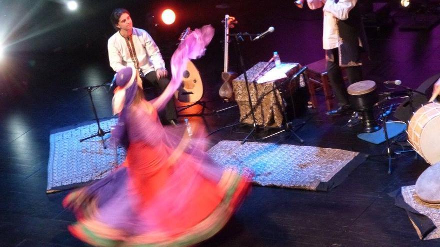 Yaran Kaveh Sarvarian: Música & Danza Persa