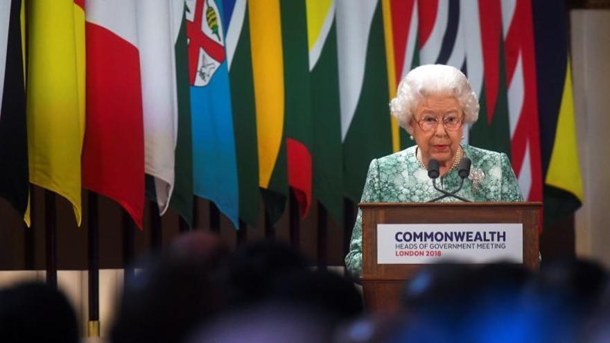 El príncipe Carlos sucederá a Isabel II como líder de la Commonwealth