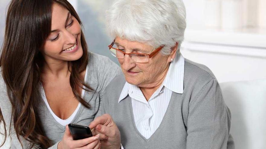 Com configurar un telèfon mòbil per a persones grans