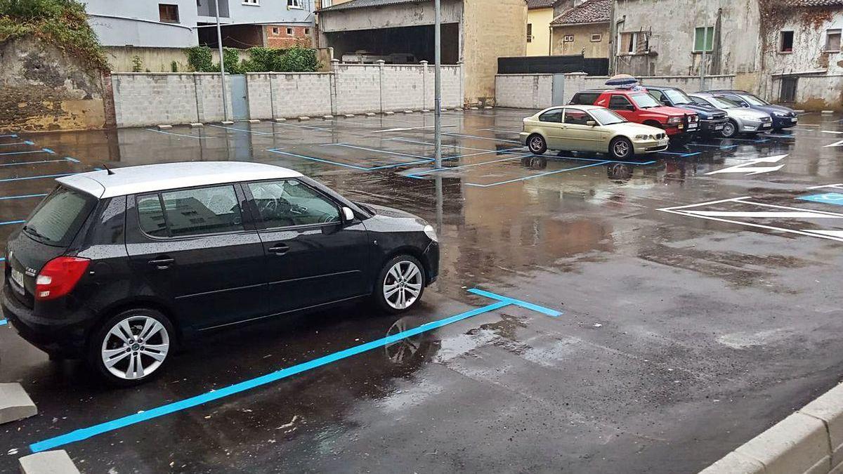 El parking de Sinagua, ayer por la tarde.