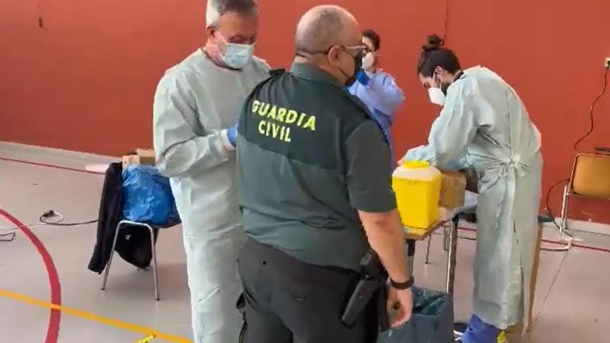 Convocatoria de vacunación masiva de agentes de la Guardia Civil