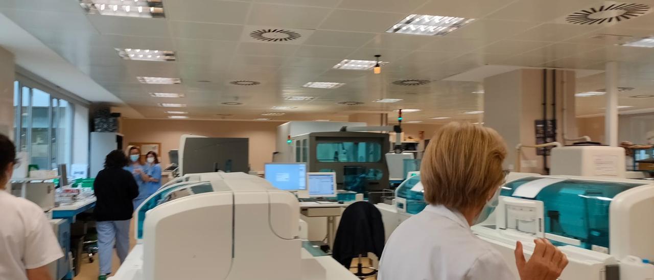 Los nuevos equipos del laboratorio del Hospital General Universitario de Elda.