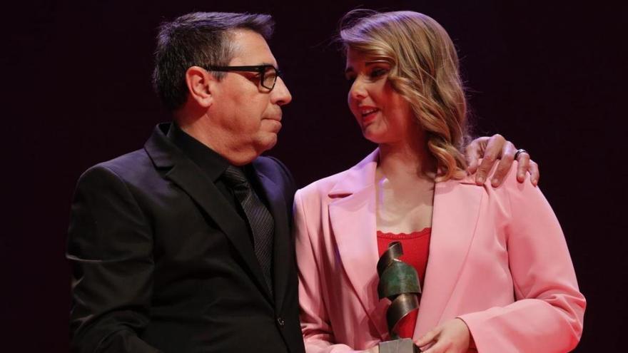 Nace el premio de periodismo parlamentario Michel Vallés