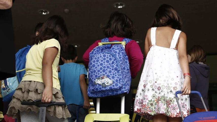 Las ayudas del cheque escolar beneficiarán a 1.200 familias más de València