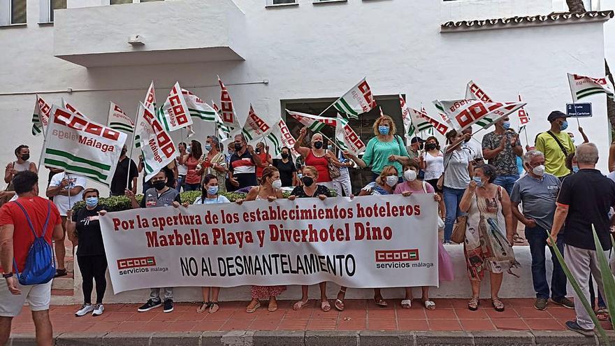 Trabajadores se concentran para reclamar la apertura de dos hoteles