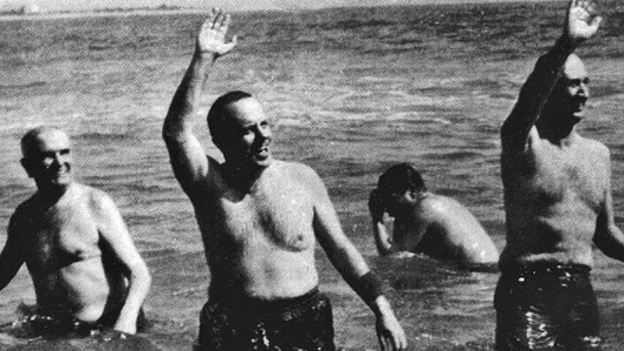 Días de playa y plutonio