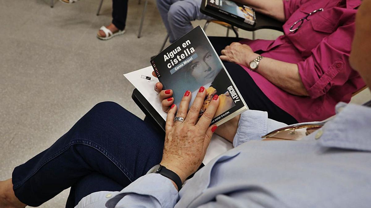 Instant d'un club de lectura.   FBFL