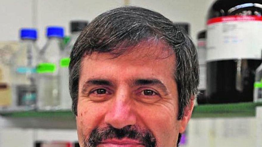 El biòleg surienc expert en hepatitis C que ha fet un pas en la covid-19