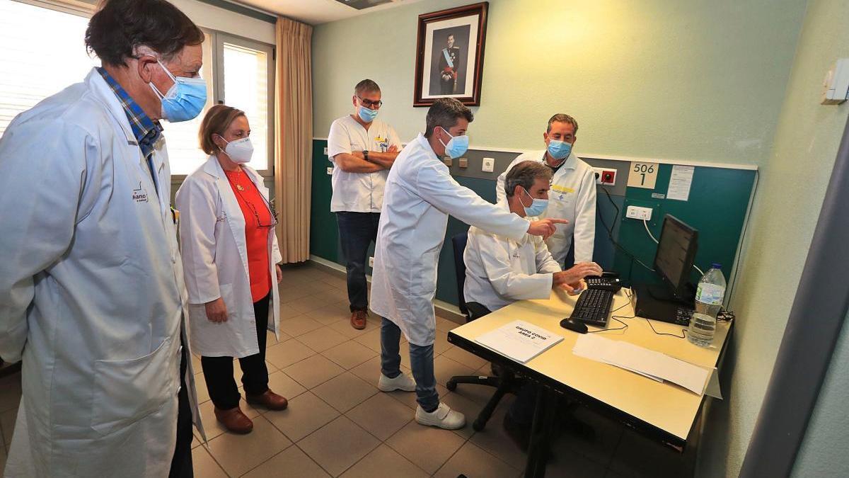 Especialistas del Rosell ayudarán en las tareas de control y seguimiento de los pacientes covid. JUAN CABALLERO