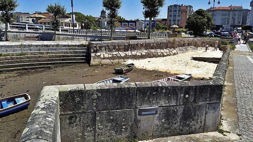 El Seprona identificó al autor del vertido de arena junto al puente romano de O Burgo