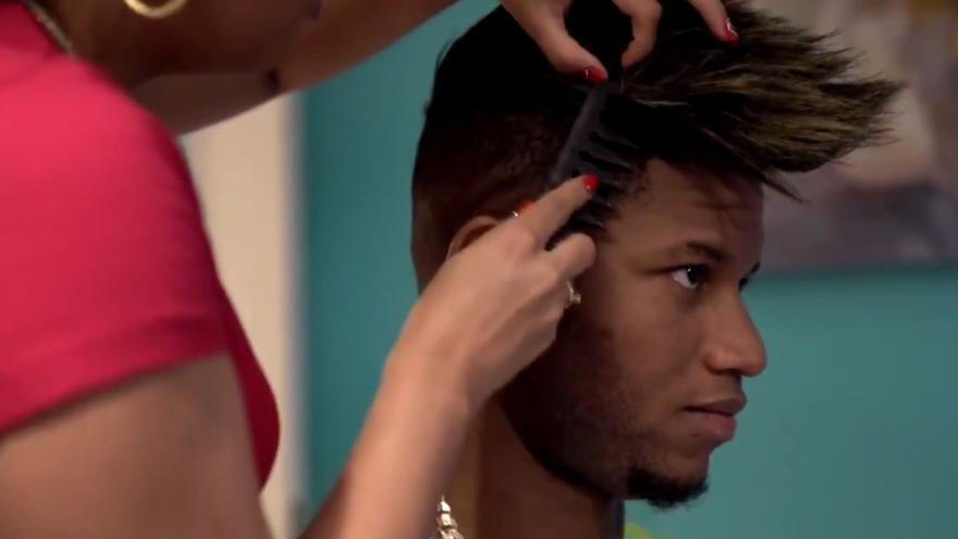 Así prepara sus peinados Jasiel Rivero
