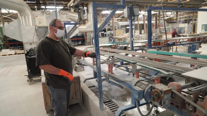 La producción de azulejos cierra el mejor cuatrimestre de la historia