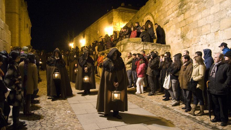 VÍDEO | Revive la procesión de Las Capas - Semana Santa Zamora