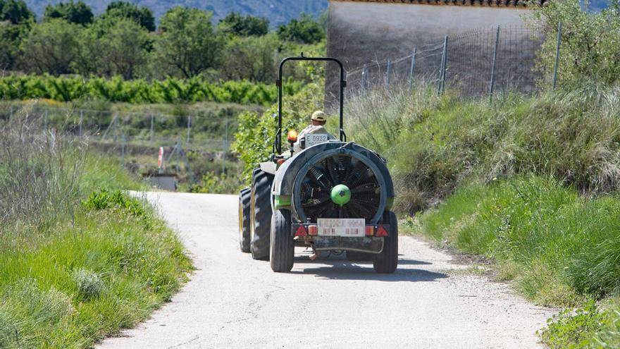 Fallece el conductor de un tractor en Aras de los Olmos