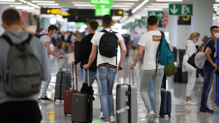 Baleares se salva de ser declarada zona de riesgo por Alemania pese a su elevada incidencia