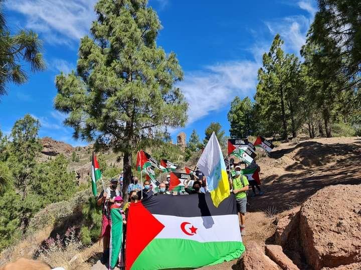 Los partidarios del pueblo saharaui 'toman' el Roque Nublo