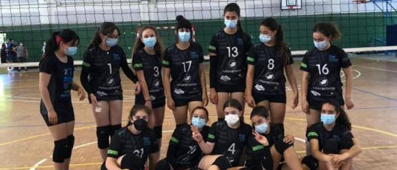 Jugadoras del cadete femenino del Maniotas. |  // FDV