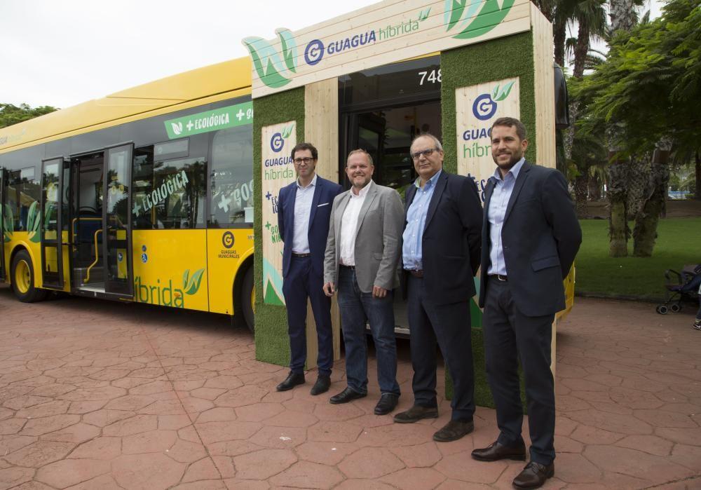 Tres nuevos vehículos híbridos para Guaguas Municipales