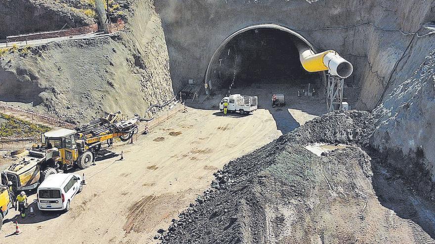 Obras Públicas termina la perforación completa del nuevo túnel de Guguillo