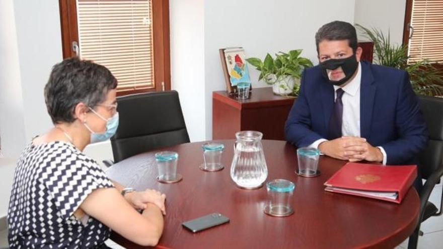 Gónzalez Laya no comparecerá por su reunión con Fabián Picardo