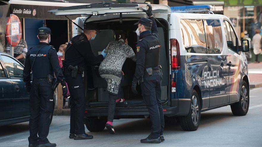 Las dos familias detenidas por la venta de una niña declaran que concertaron su boda