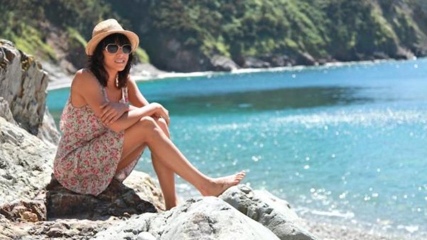 Raquel del Rosario aprovechó su paso por Asturias para unirse al #SidraChallenge