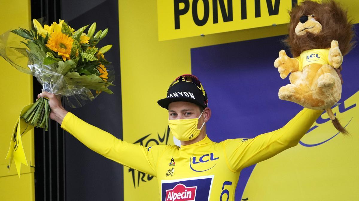 Mathieu van der Poel mantiene el maillot amarillo-