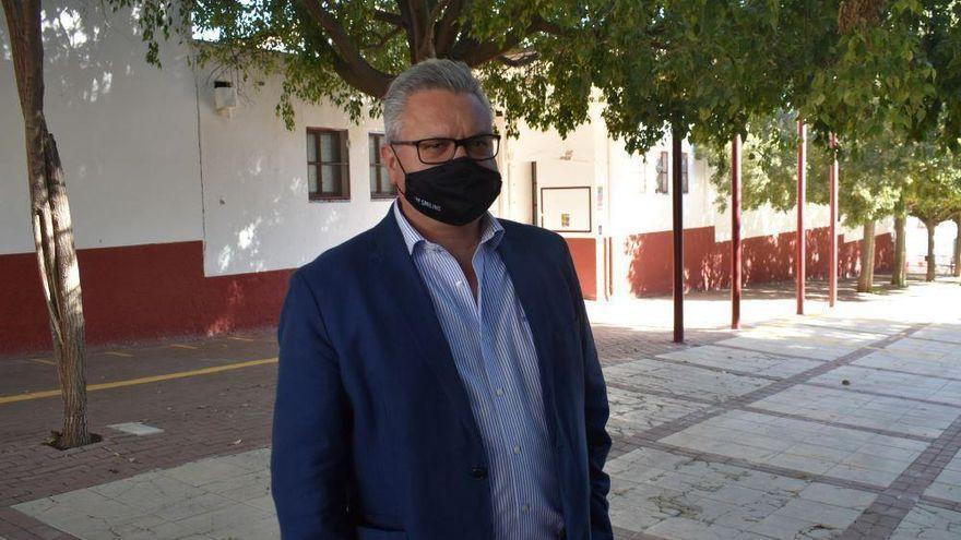"""Esteban Morales: """" Seguimos solicitando colaboración a otras administraciones para paliar la plaga de mosquitos"""" en Puente Genil"""