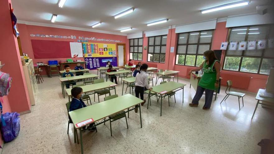 Langreo: Se inicia el curso escolar con termómetro y distancia