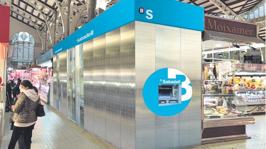 Banco Sabadell escoge el Mercat Central de València para su oficina del futuro