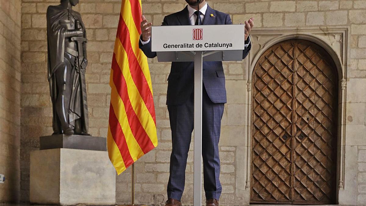 Pere Aragonès en una compareixença ahir al Palau de la Generalitat.  | FERRAN NADEU