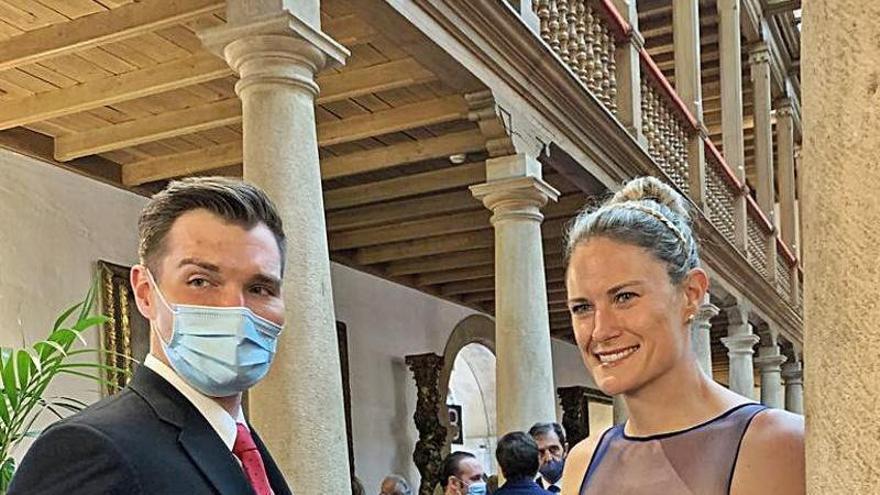 La familia arropa a la científica Katalin Karikó
