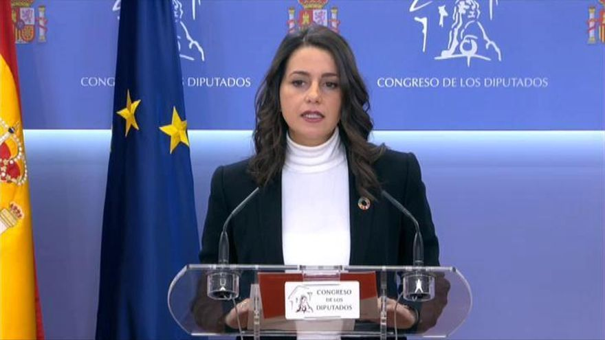 Arrimadas insiste en un pacto PSOE-PP-Cs