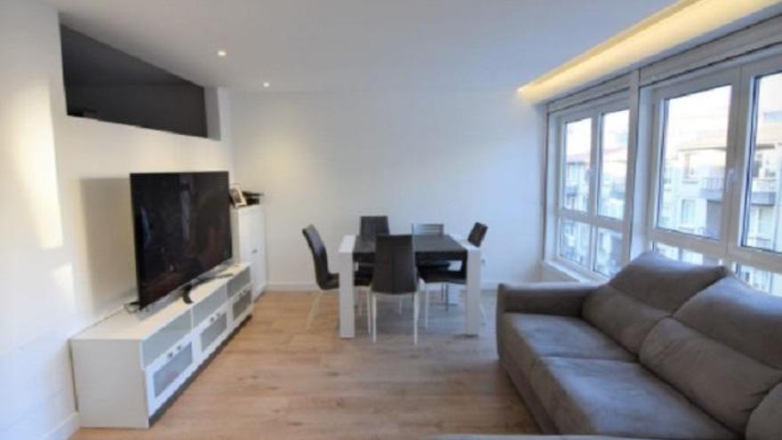 Si buscas espacio en tu futuro hogar, consulta estos pisos en venta en A Coruña