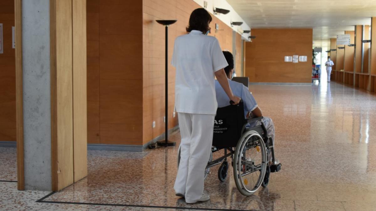 Acompanyament d'un pacient al Centre Sociosanitaria La República