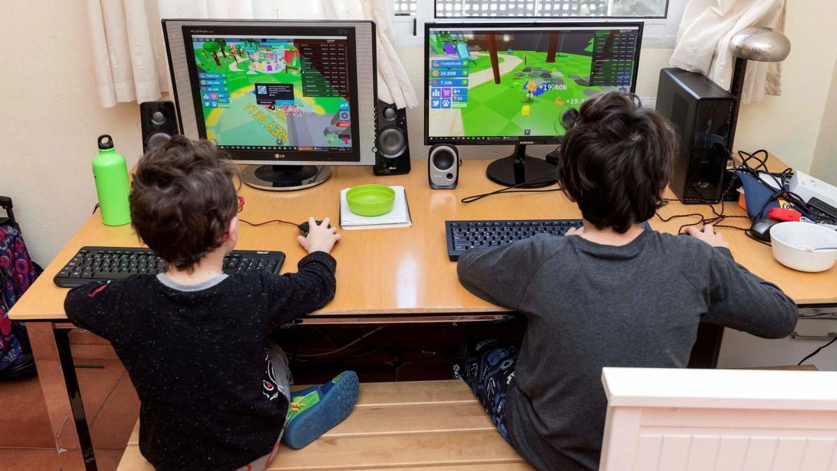 El 65% de las familias cree que los videojuegos no afectan al rendimiento escolar.