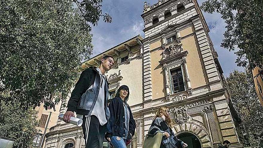 Los notarios de Baleares autorizan más de 125.600 documentos hasta agosto