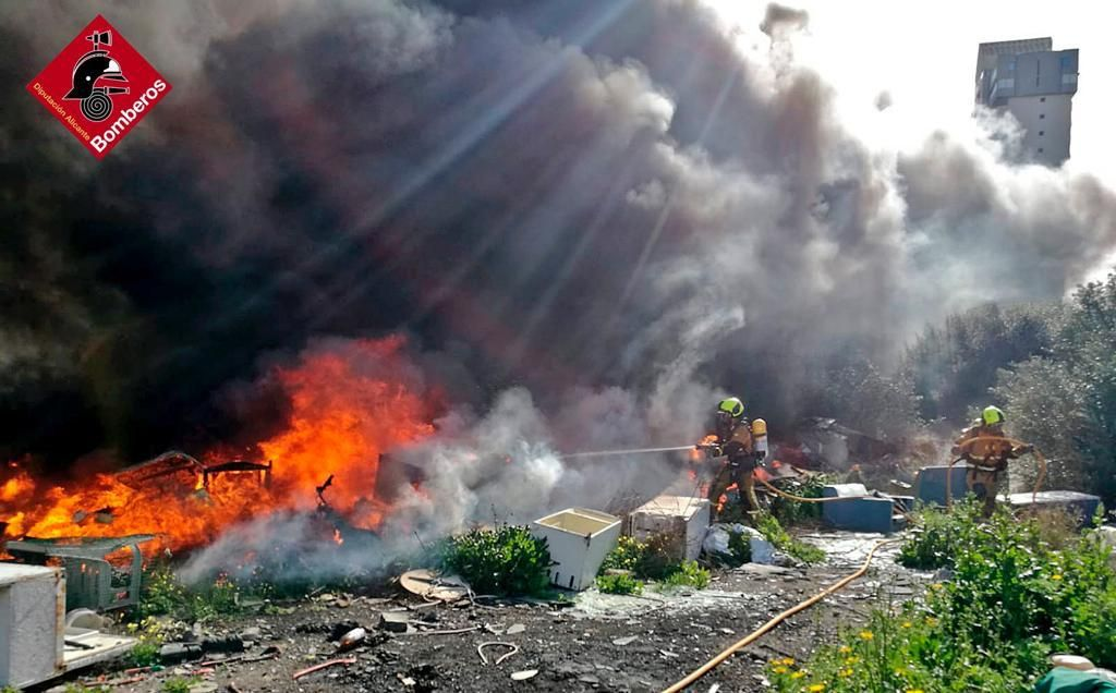 Un nuevo incendio pone en alerta a la partida de Armanello en Benidorm
