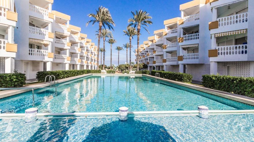Pisos en Dénia con piscina y aire acondicionado, a precios de locura
