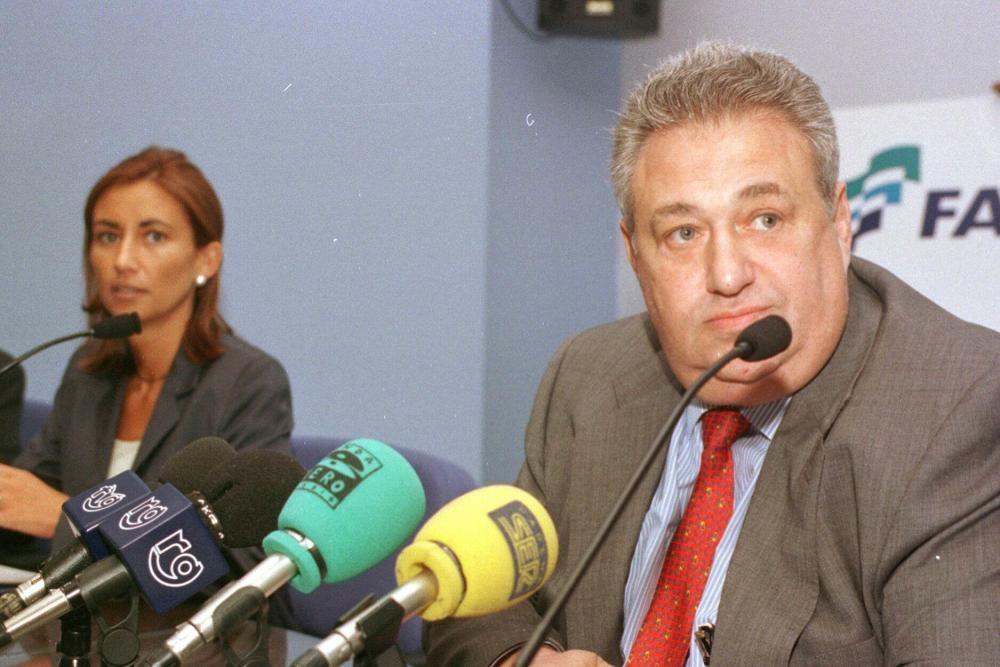 El presidente de Fadesa y su María José Jove, fallecida prematuramente a los 37 años.