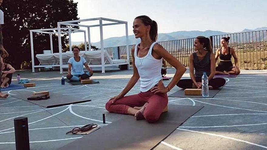 """Verónica Blume: """"Mallorca tiene mucha cultura  del yoga, me siento como en casa"""""""