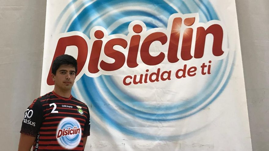 El primera línea zurdo Juan Enrique Lago regresa al Balonmán Lalín también con ficha en el primer equipo