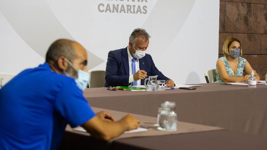 Reunión Gobierno de Canarias con plataformas contra los desahucios