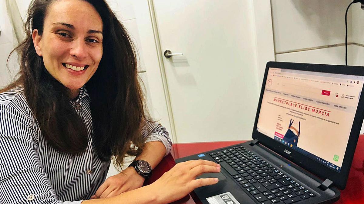 Isabel Ortega, la creadora de Elige Murcia, la plataforma de venta online gratuita.