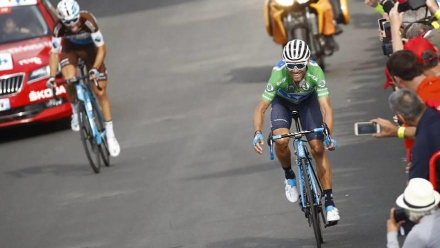 Valverde resiste en el podio pero se aleja del líder antes del juicio final