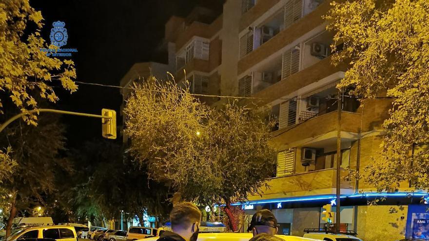 Sorprenden a un ladrón que intentaba entrar en en un piso de Palma por el  balcón