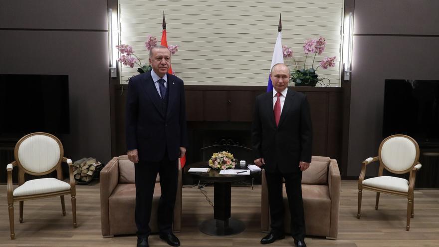 Turquía se distancia de la OTAN y se dispone a comprar nuevas armas a Rusia