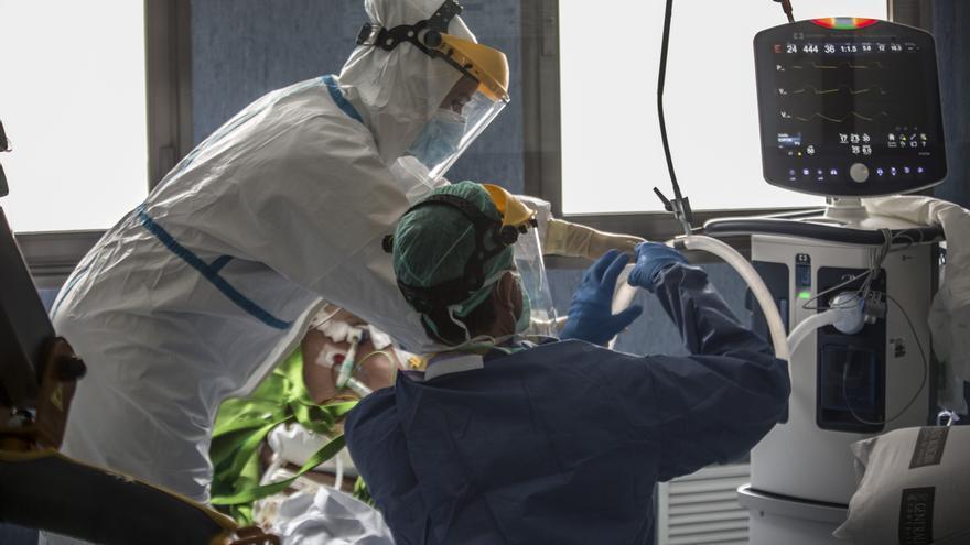 Récord de contagios de covid en la provincia de Alicante, que suma cuatro fallecidos más