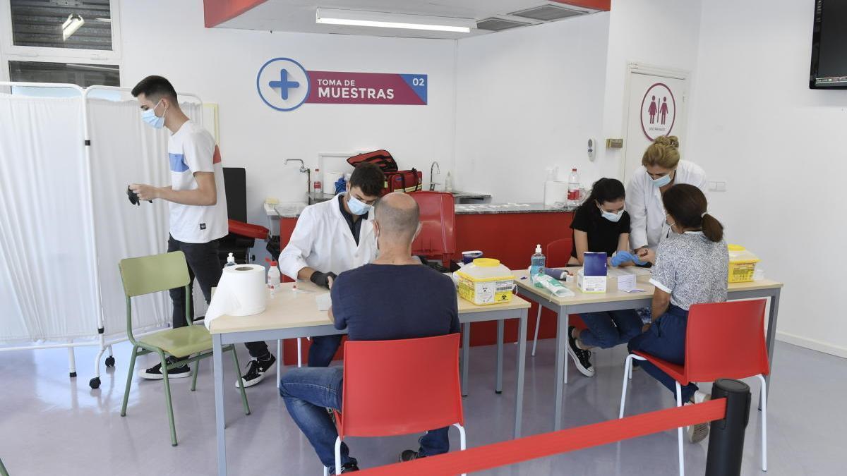 Test rápidos para el diagnóstico de la COVID-19 al personal de la UMU