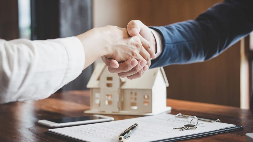 La necesidad de aliviar los pagos dispara las peticiones para renegociar hipotecas
